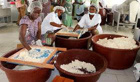 Traditional Ivorian dish cooking up profits for women
